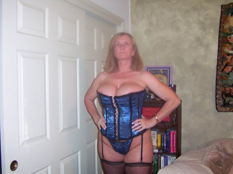 Wild bitch free nude mature bbw pics