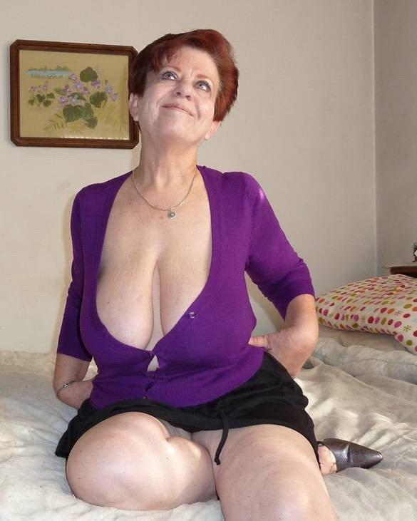 cleavage Saggy amateur mature