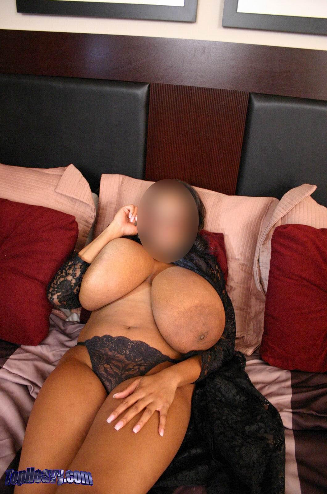 сиськами проститутка фото огромными с