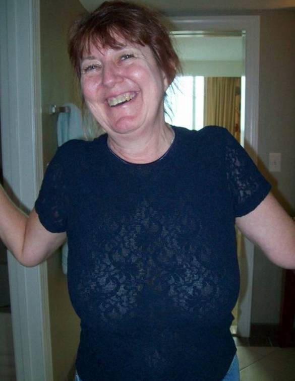 Free nuded buffed woman
