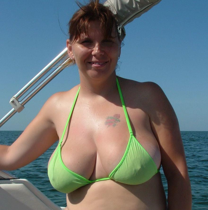 Free mature bikini galleries