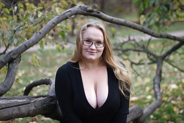 Coed naked brunette video thumbs