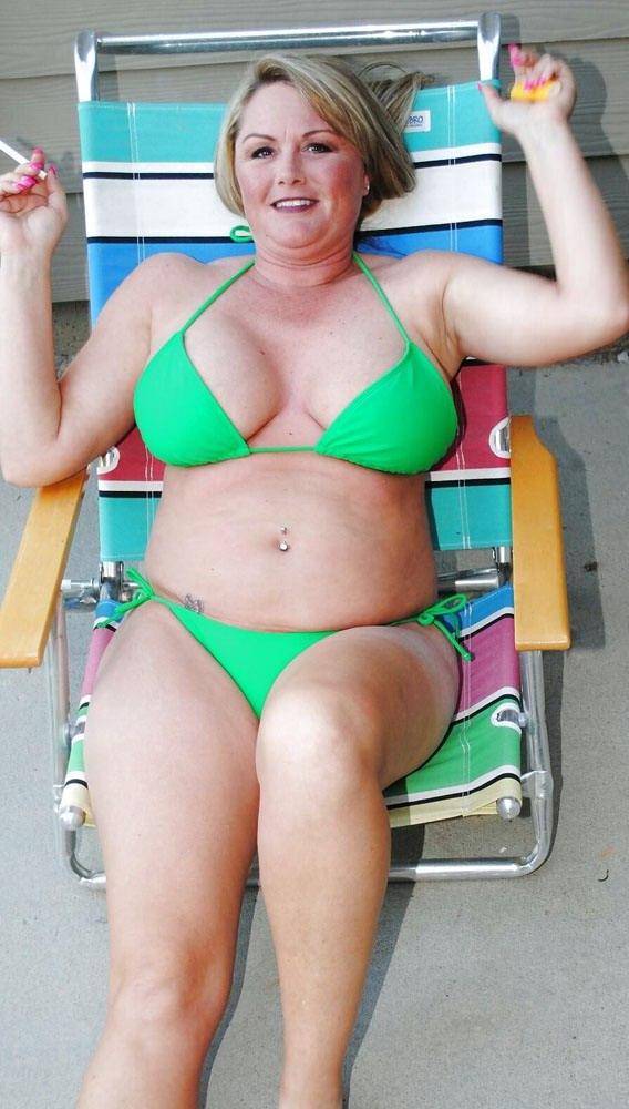 Swedish girl posing and sucking cock